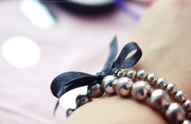 nakit -ukras ili umetnost - Page 4 Bow_by_busychocolatemiss