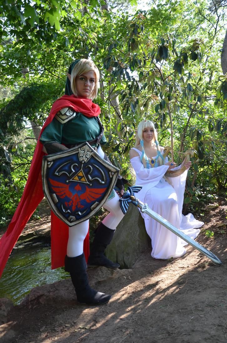 Link and Hylia by LaraWegenaerArts