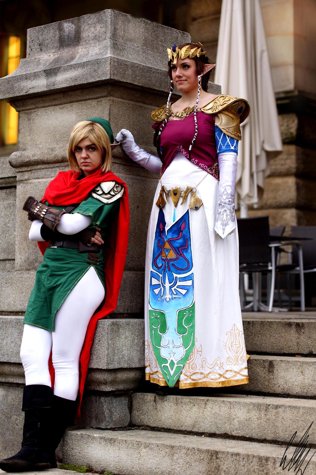 Link and Zelda Shooting #001 by LaraWegenaerArts