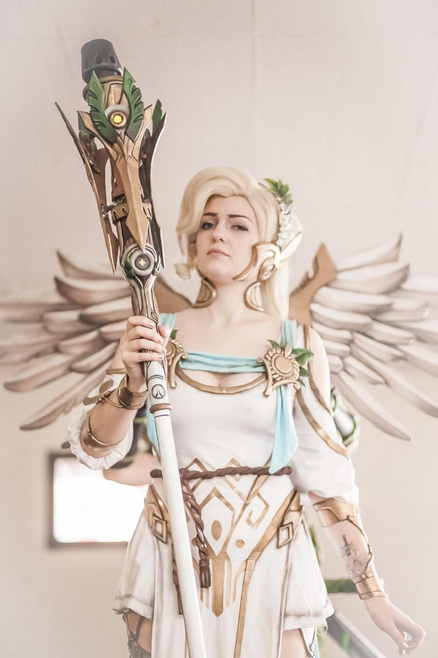 Mercy Winged Victory Cosplay by LaraWegenaerArts