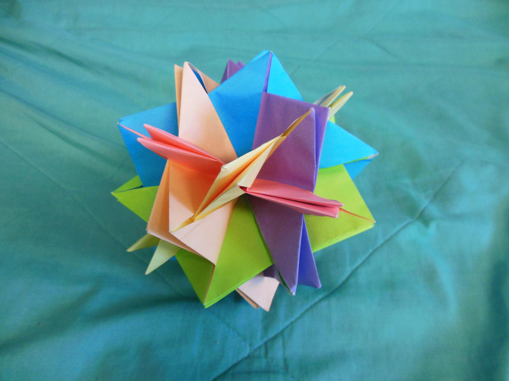 Origami pentagon ball - Day 26 by ninjakitty94