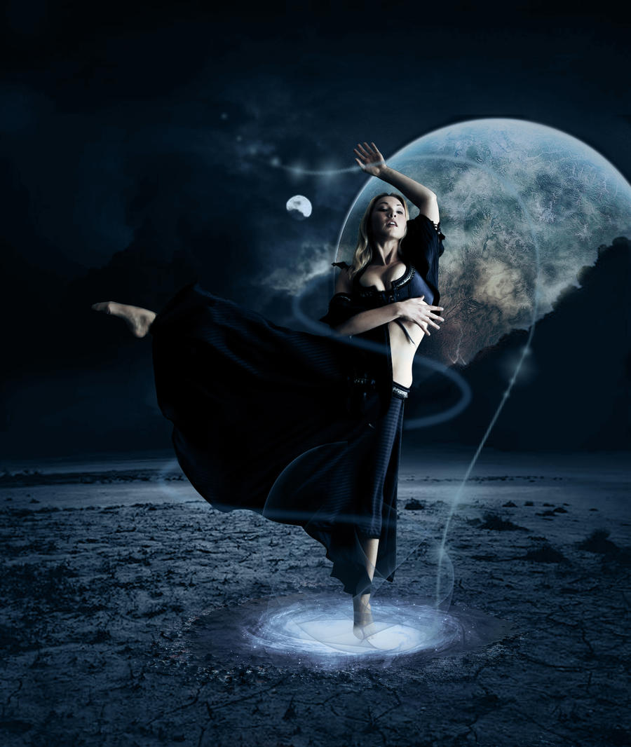 http://fc01.deviantart.com/fs50/i/2009/295/e/4/Moonlight_dancer_by_StarWay_aka_Gisele.jpg
