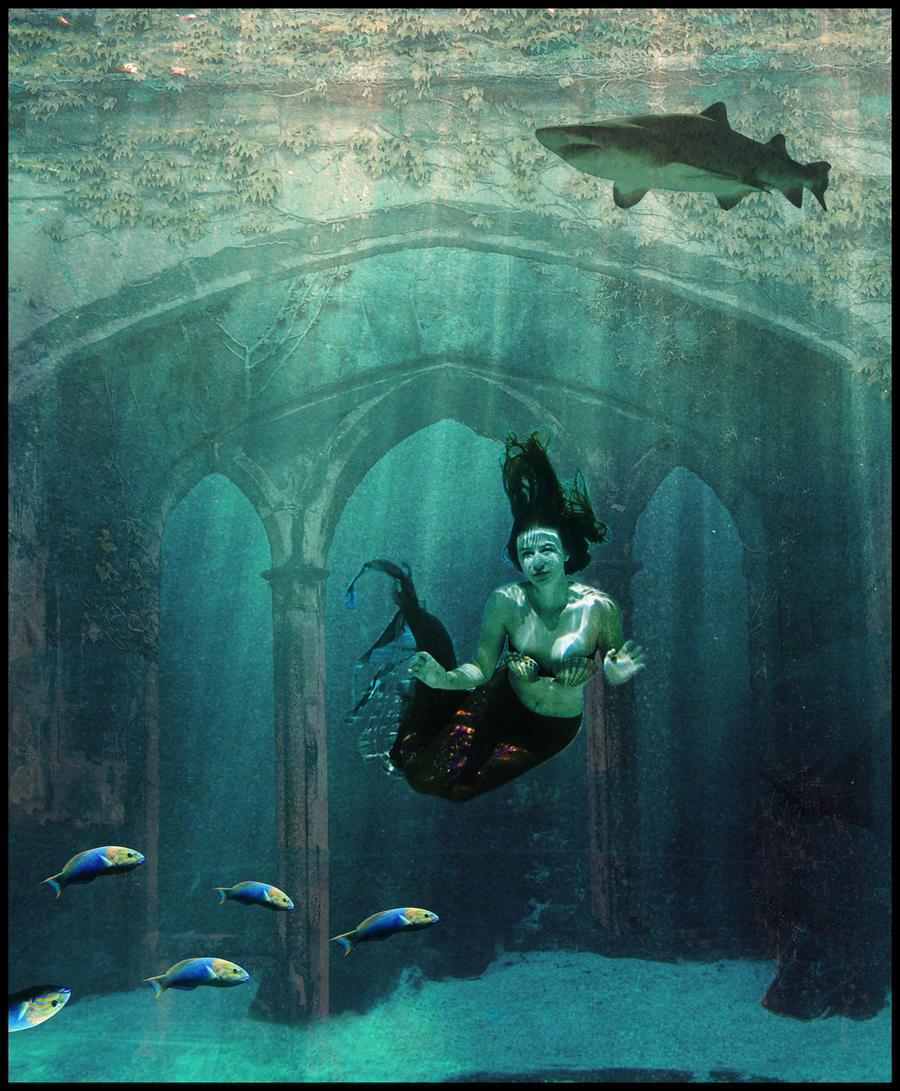 http://fc03.deviantart.com/fs50/i/2009/297/7/0/Deep_blue_underwater_by_StarWay_aka_Gisele.jpg