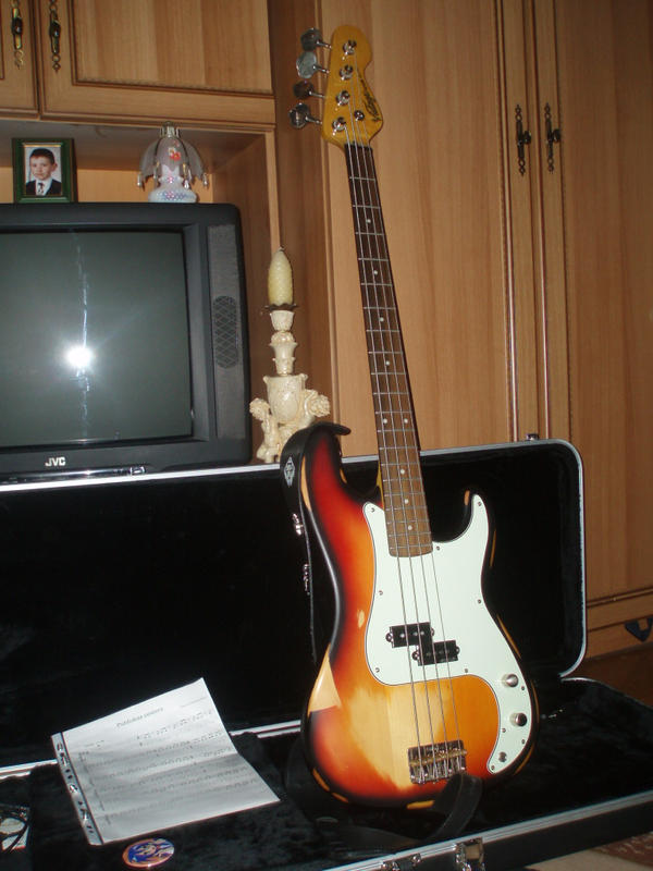 My Bass Guitar by FurryWolf