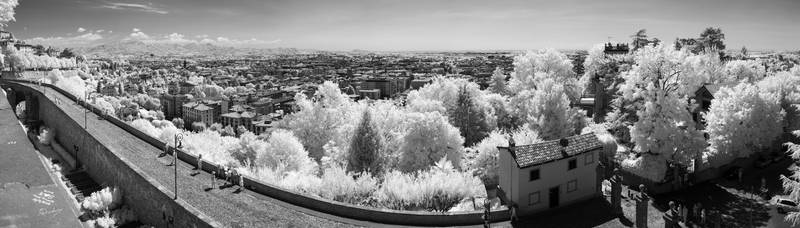 Infrared world - Bergamo by Tabanos