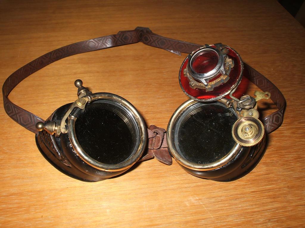 Engineer's Goggles by kilted-katana