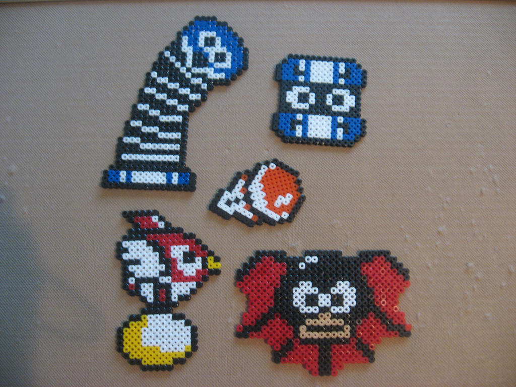 some hama bead things by twilightberry on deviantart