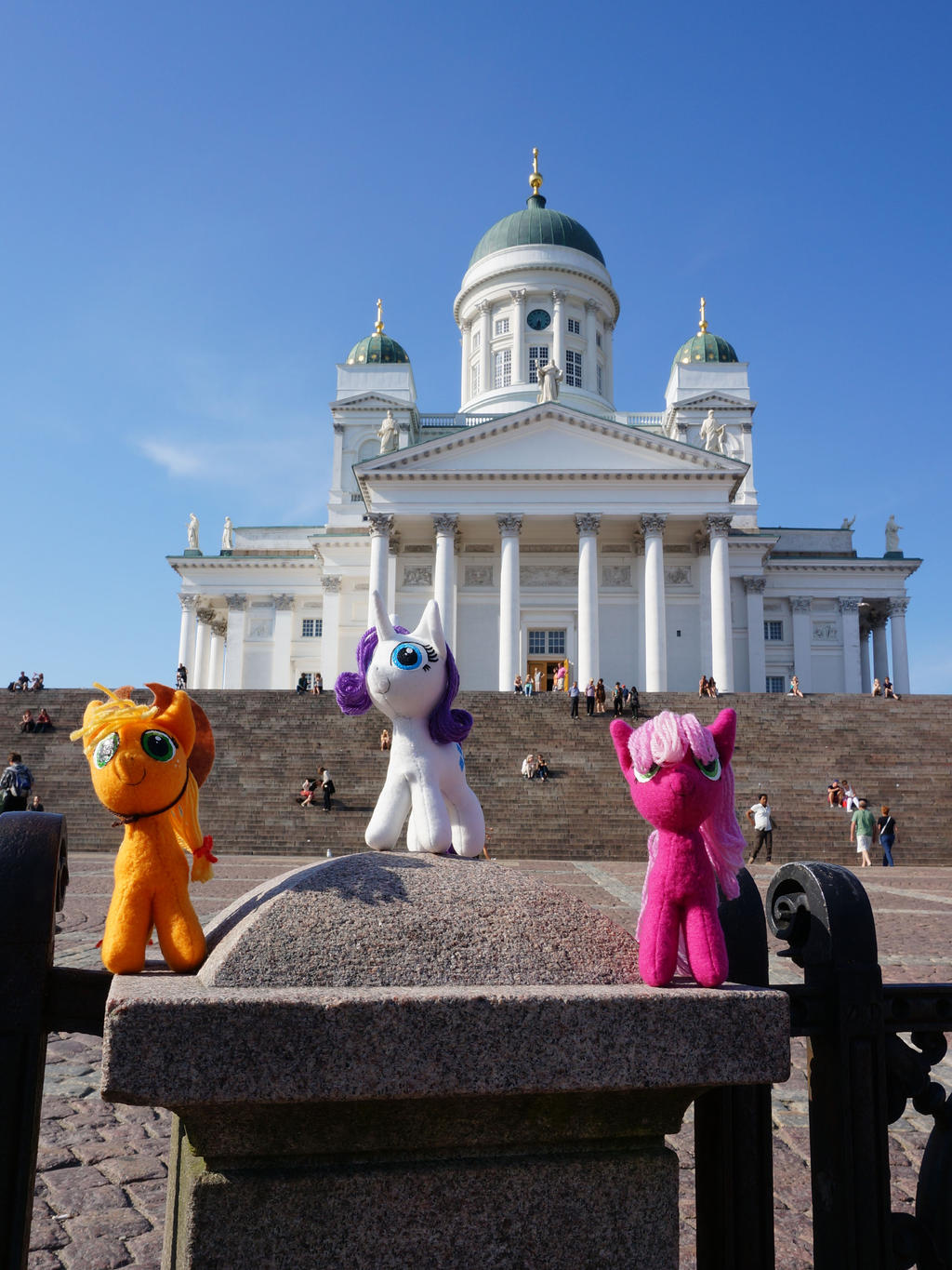 Ponies at Helsinki Cathedral by Cabraloca