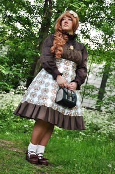 Classic Lolita - Standing