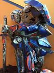 TF-The Last Knight Optimus Standee 2