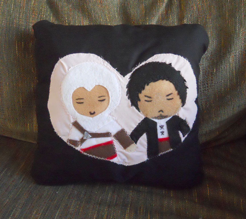 AltMal pillow by Arithusa