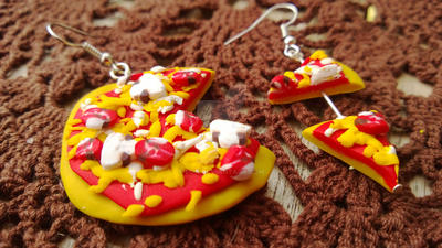 Handmade Pepperoni and Mushroom Pizza Earrings by pun