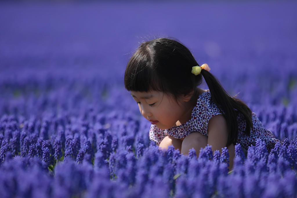Japanese girl in blue by Witoldhippie