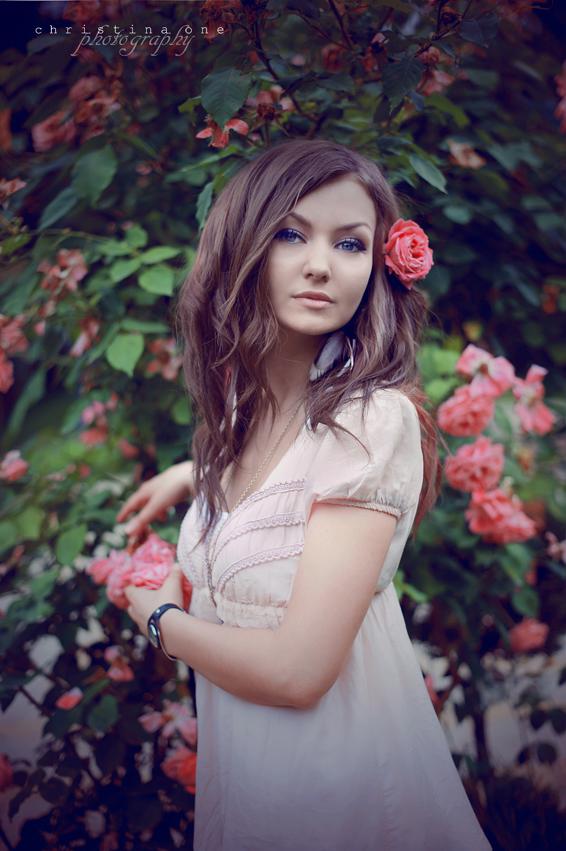 Izrazite svoja osecanja slikom - Page 17 Wild_roses_v_by_onechristina-d3kxmxo