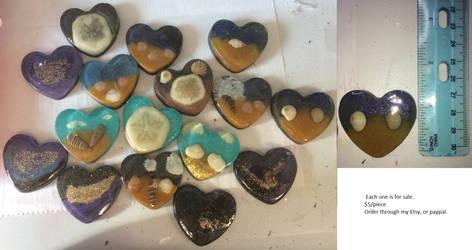 Seashore and Galaxy resin hearts by Unoraptormon