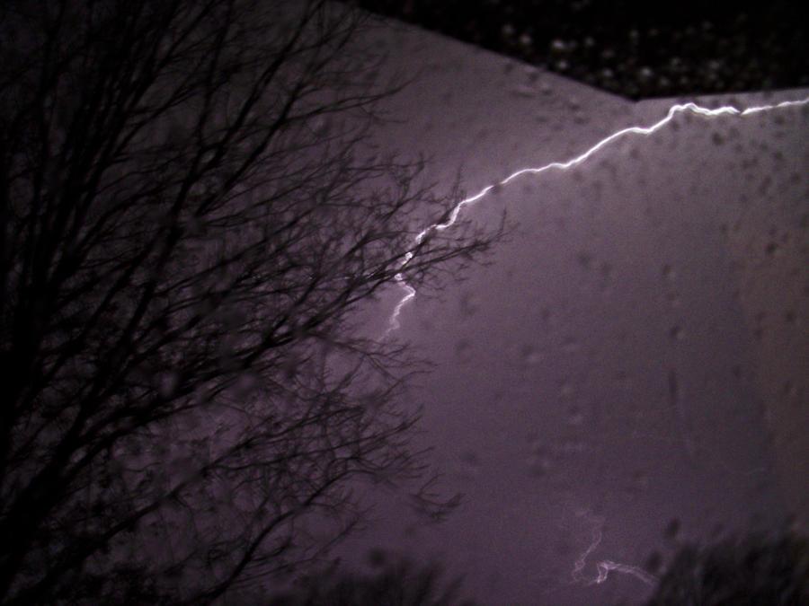 Lightning in the Night by KKCopper