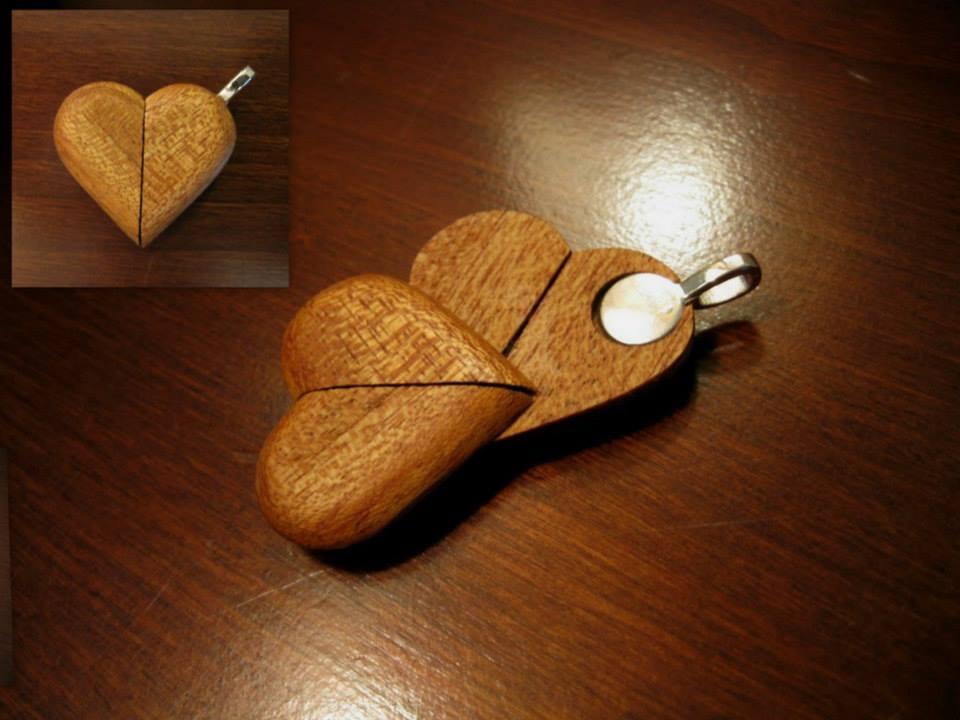 Illusionist heart locket by cartoushea on deviantart illusionist heart locket by cartoushea aloadofball Gallery