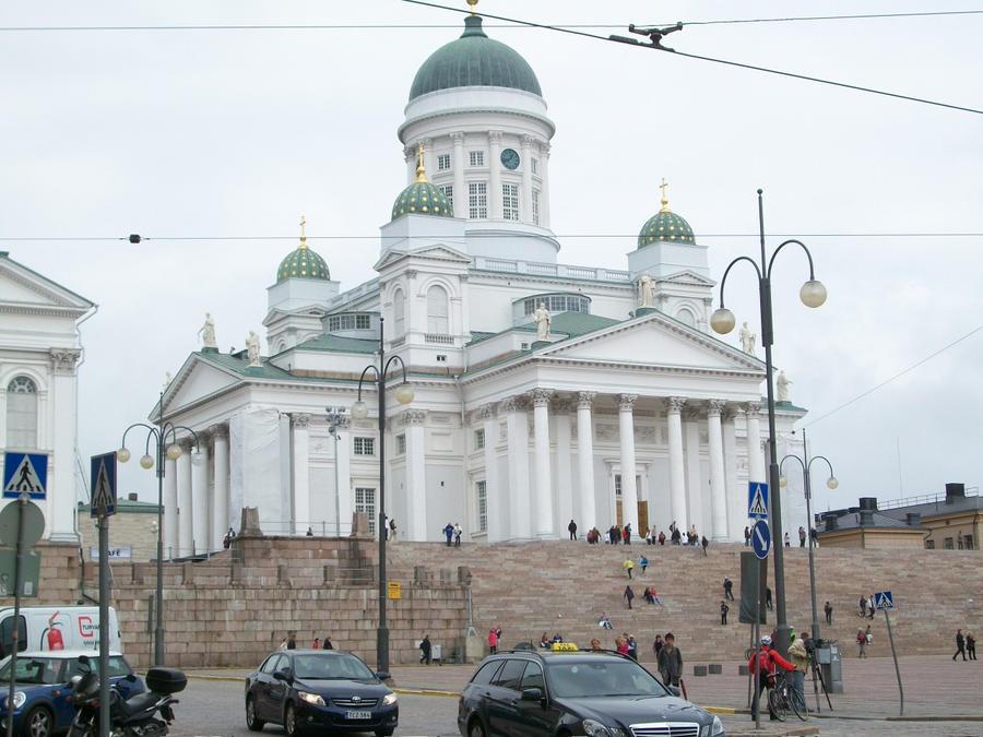 Helsinki Cathedral by Qymaen