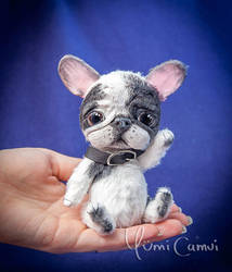 Jointed french bulldog with sculpted face