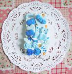 Decoden case: Delicate Blue Rose Desserts (1)