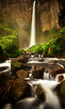 Sipiso Piso waterfall colour