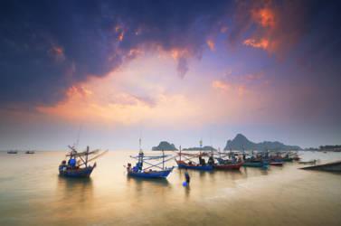 Prachuap Khiri Khan - Boats by comsic