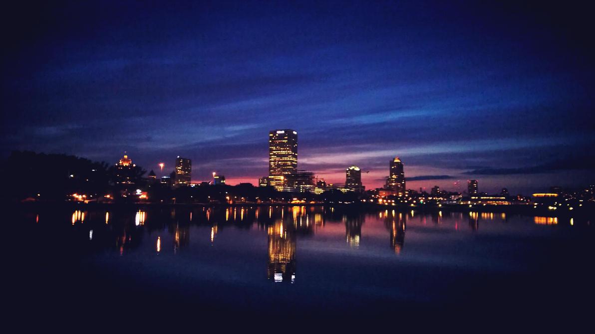 Milwaukee Skyline by michaelmke