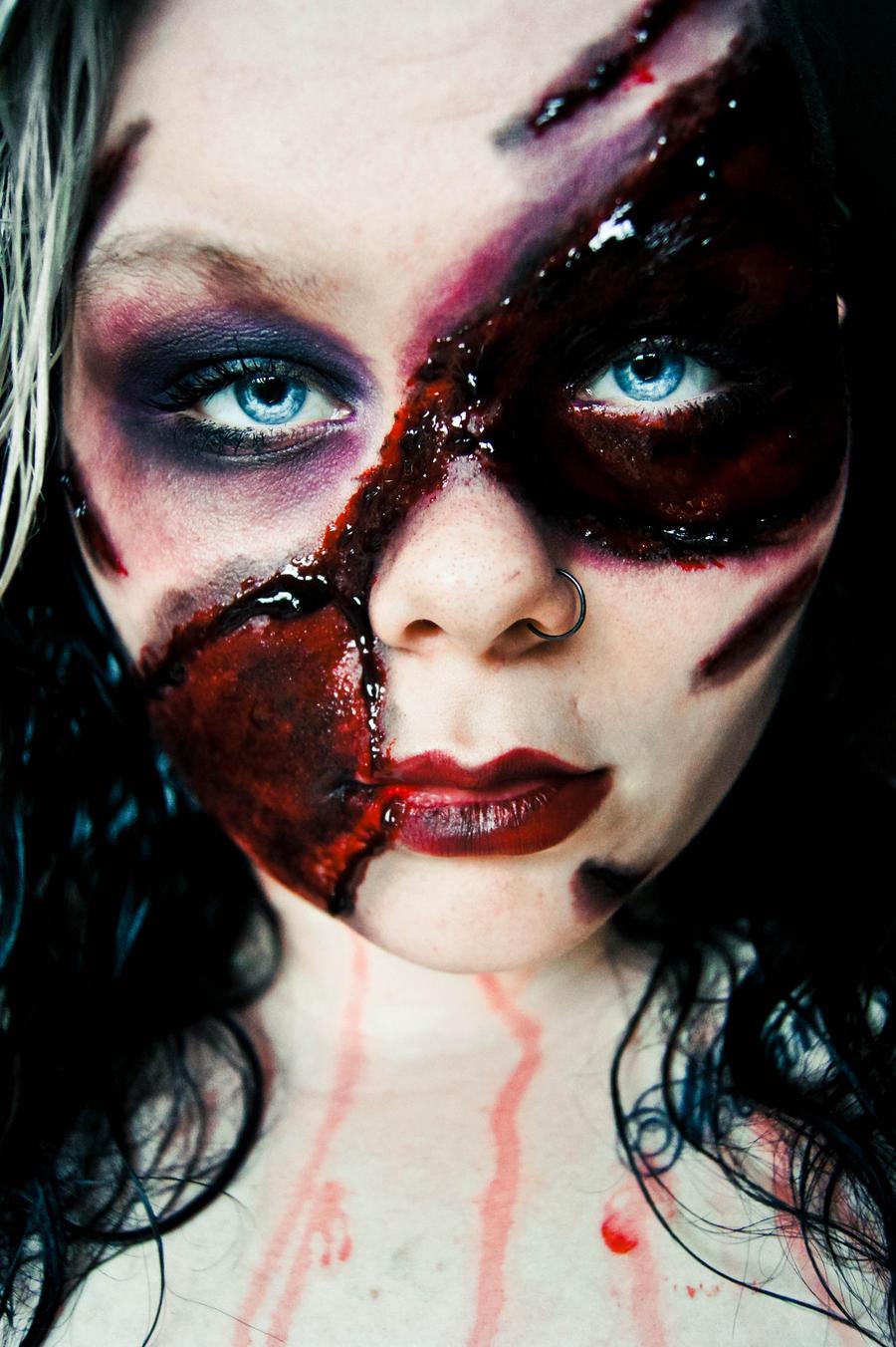 Crimson Beauty. by CrimsonnOnyxx