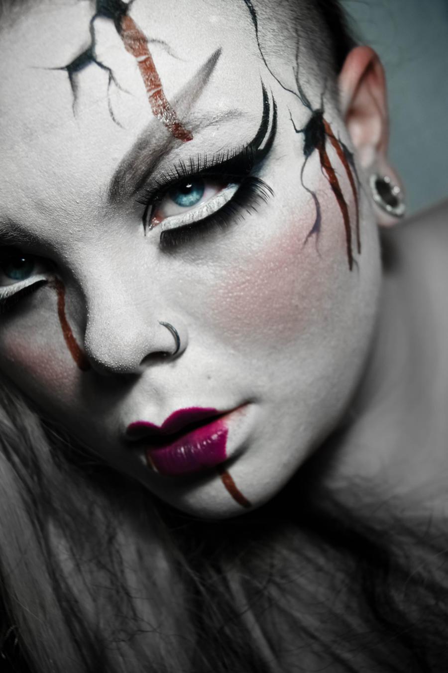 Broken Dreams. by CrimsonnOnyxx