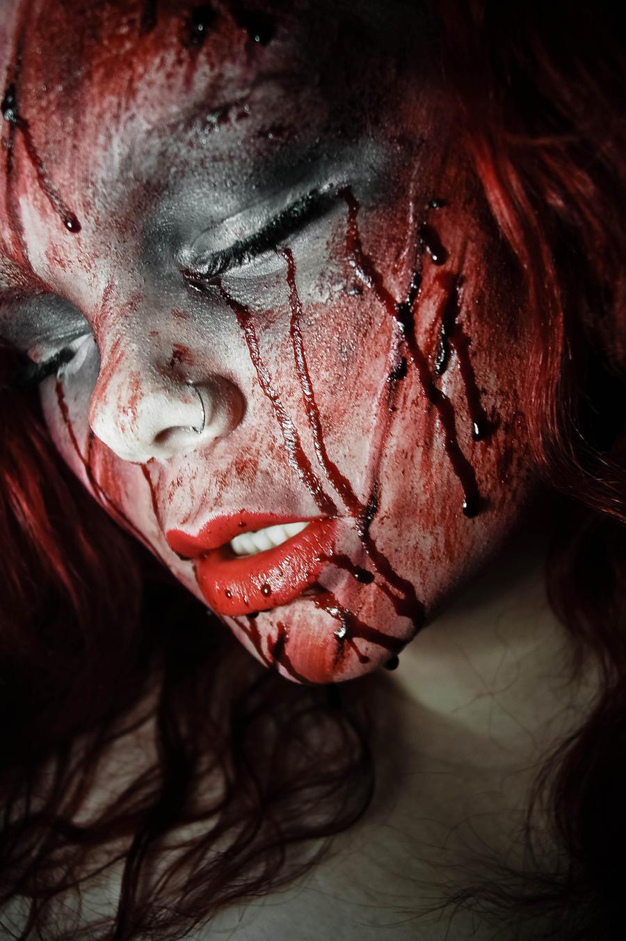 She Bleeds. by CrimsonnOnyxx