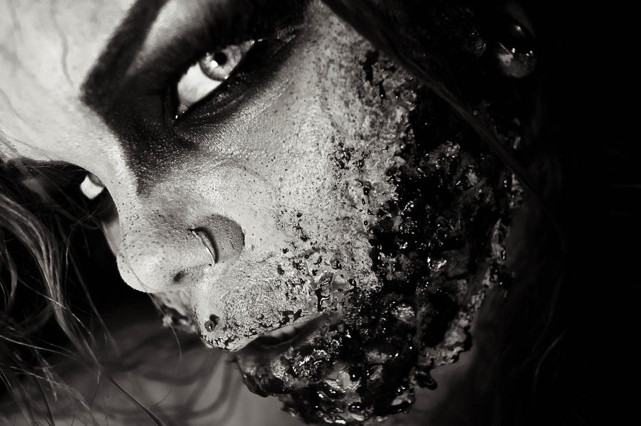 Tear. by CrimsonnOnyxx