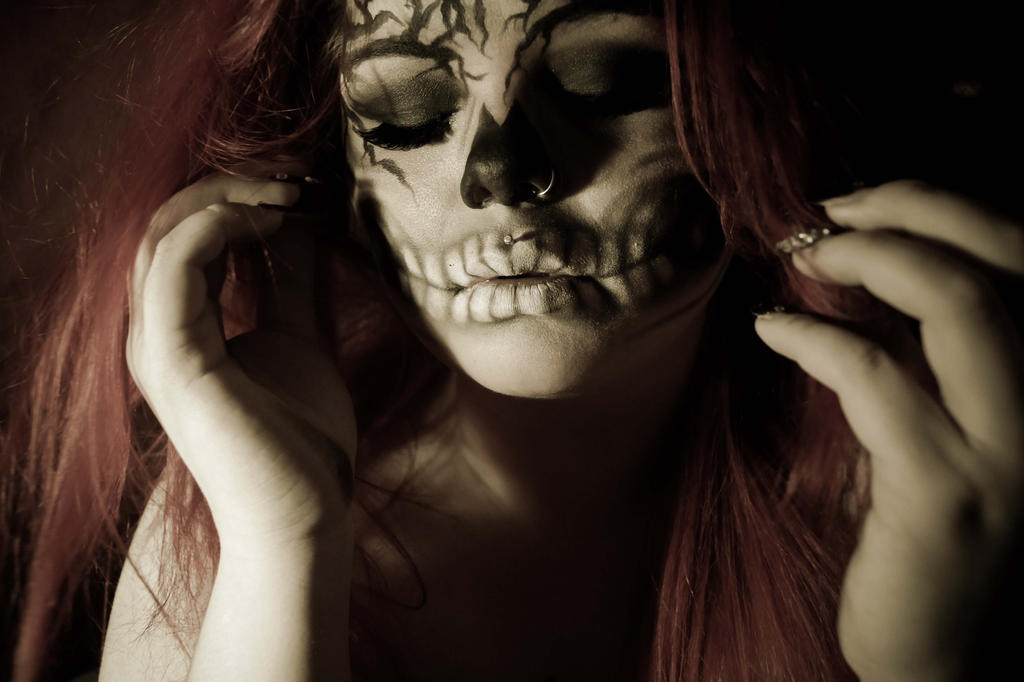 Haunted. by CrimsonnOnyxx
