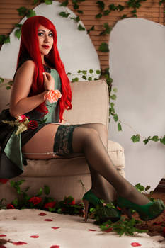 Burlesque Poison Ivy Cosplay