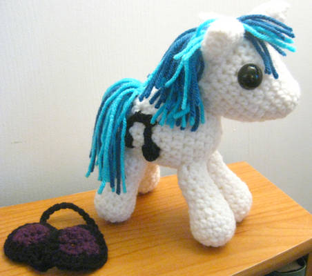 Vinyl Scratch DJ Pon3 - Now with Removable Glasses