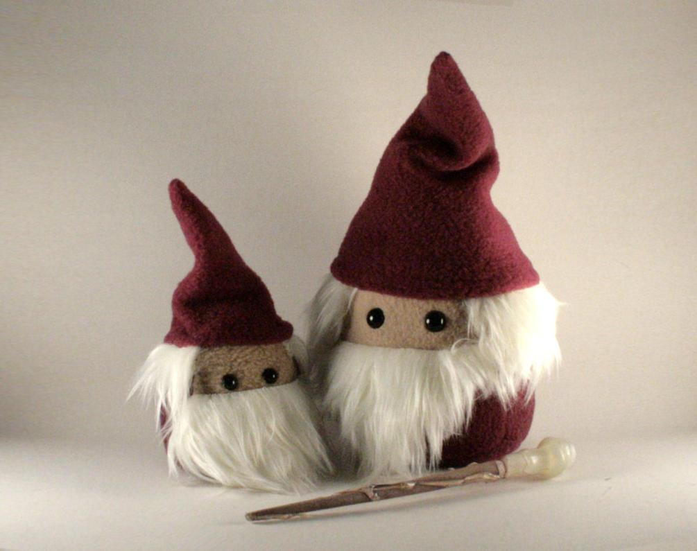 Mini Albert the Wizard Plushie by Saint-Angel