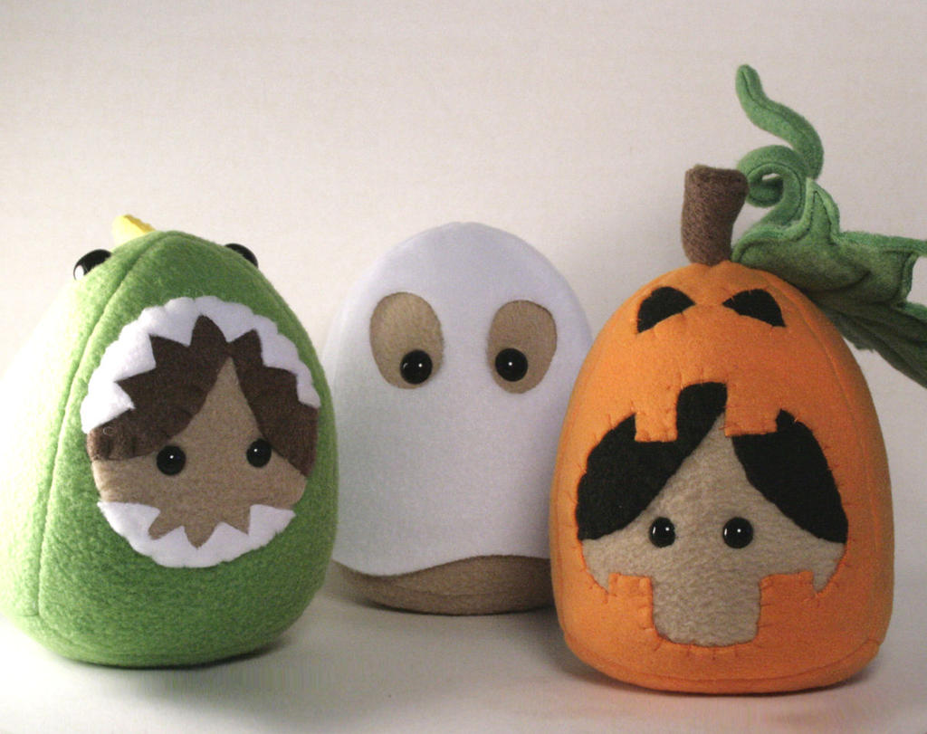 2011 Halloween Plushies by Saint-Angel