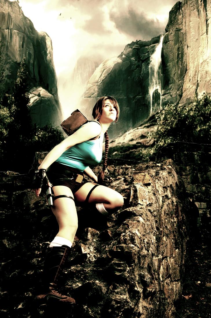 Climbing Tomb Raider by Visual-Aurelie
