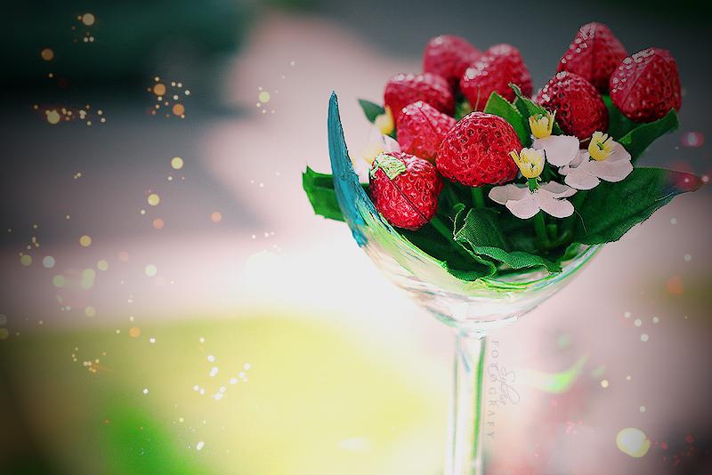 Forbidden fruit by SylviaDalberg