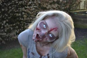 STOCK_Zombie_ScareActing3
