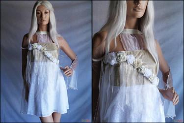 Short wedding dress with sleeves by Umaslady
