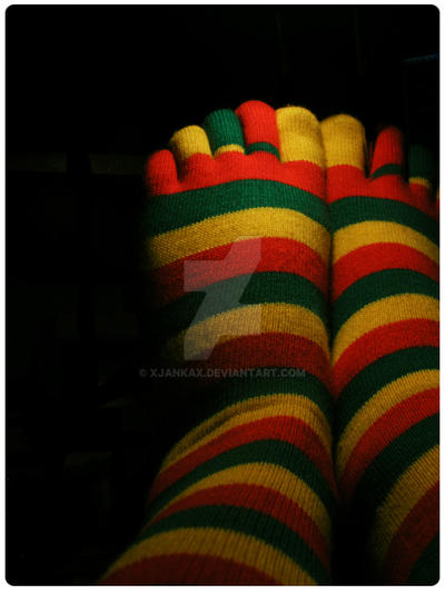 rasta socks. by xjankax