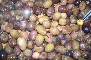 Royal olives by aRU1