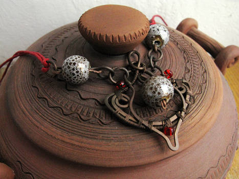 Copper necklace with ceramic beads