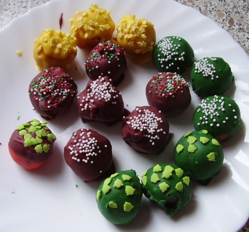 Mini Cake Pops On Toothpicks