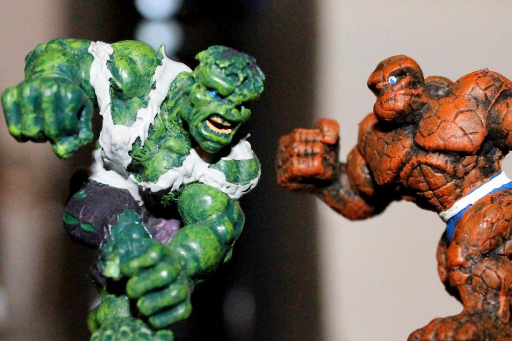 Hulk vs Thing by RaySark