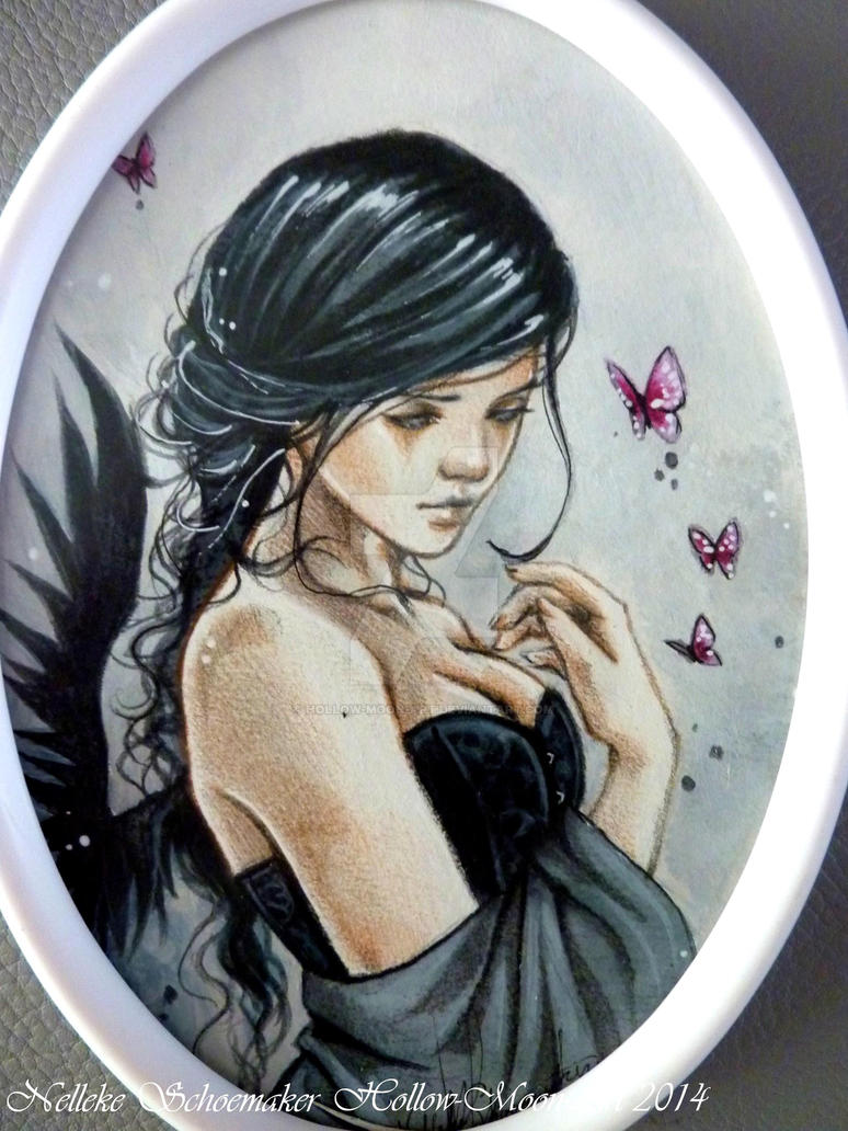 Forgotten Dreams small oval frame CLOSE UP by Hollow-Moon-Art