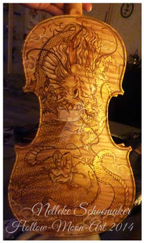 Dragon violin design gold