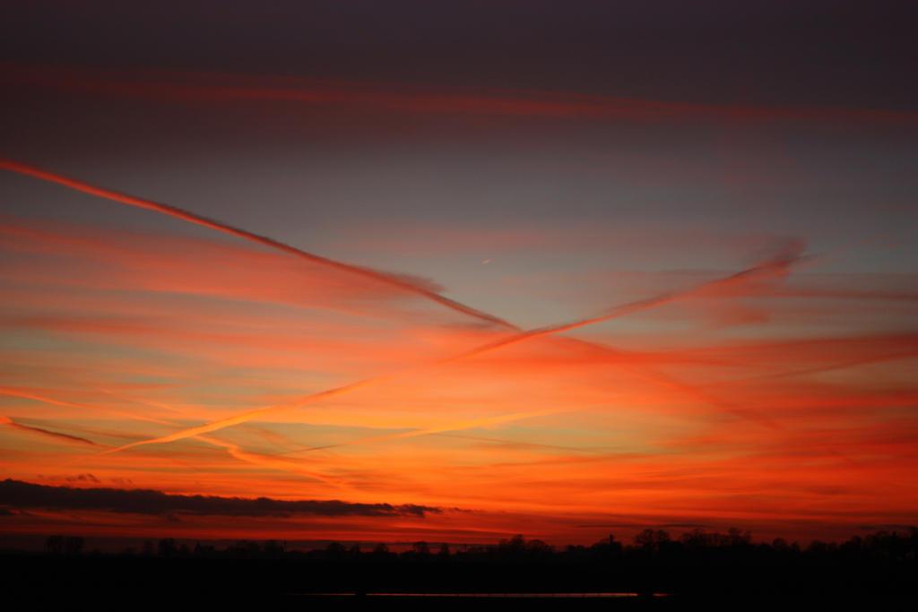 burning sky by marcellinek