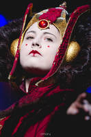 Queen Amidala ~ The red Queen by Kaori-prod