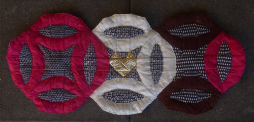 Double wedding ring quilt by BellaGBear